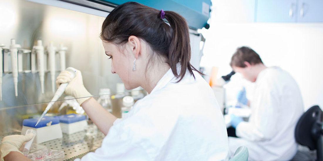 Ξεκινά άμεσα η λειτουργία του Εθνικού Δικτύου Ιατρικής Ακριβείας στην Ογκολογία