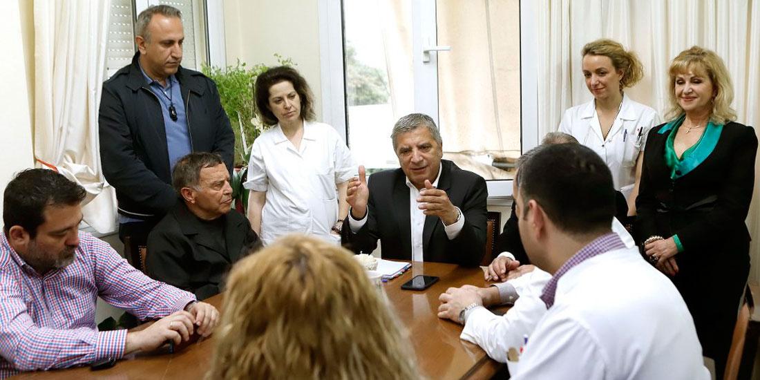 Γ. Πατούλης: «Να μην υπάρχουν κενές θέσεις στα νοσηλευτικά ιδρύματα»