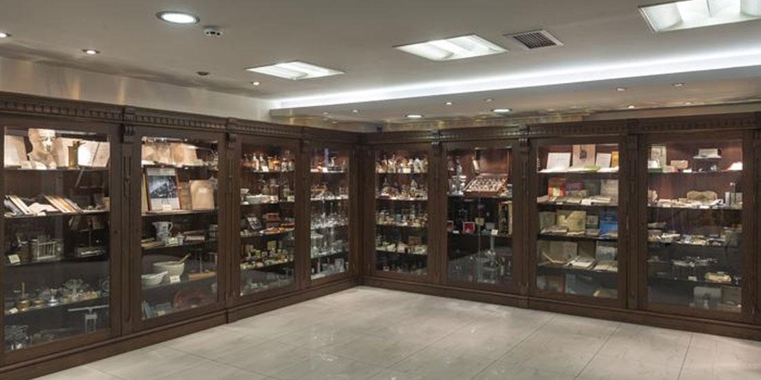 Μαθητές μεταμορφώθηκαν σε... φαρμακοποιούς για μία νύχτα στο Ελληνικό Φαρμακευτικό Μουσείο