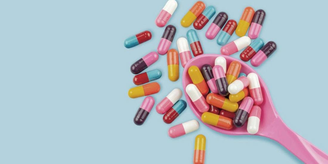 Η προληπτική λήψη αντιβιοτικών αμέσως μετά τη γέννα μπορεί να μειώσει στο μισό τις λοιμώξεις