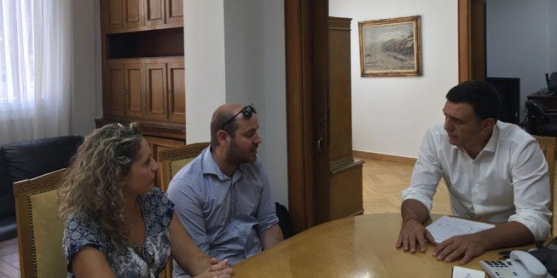 Με τους γονείς του Παναγιώτη Ραφαήλ Γλωσσιώτη συναντήθηκε ο Β.Κικίλιας