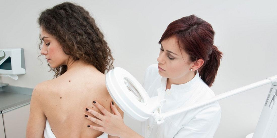 Νέα θεραπεία επεκτείνει τη ζωή των ασθενών με μελάνωμα