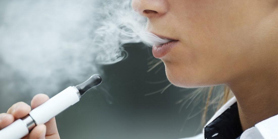 Βλάβες, όπως των τοξικών αερίων, στους πνεύμονες ασθενών από το ηλεκτρονικό τσιγάρο