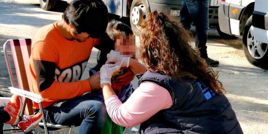 Ο ΕΟΔΥ ολοκλήρωσε μαζικό εμβολιασμό παιδιών και εφήβων προσφύγων-μεταναστών στη Λέσβο