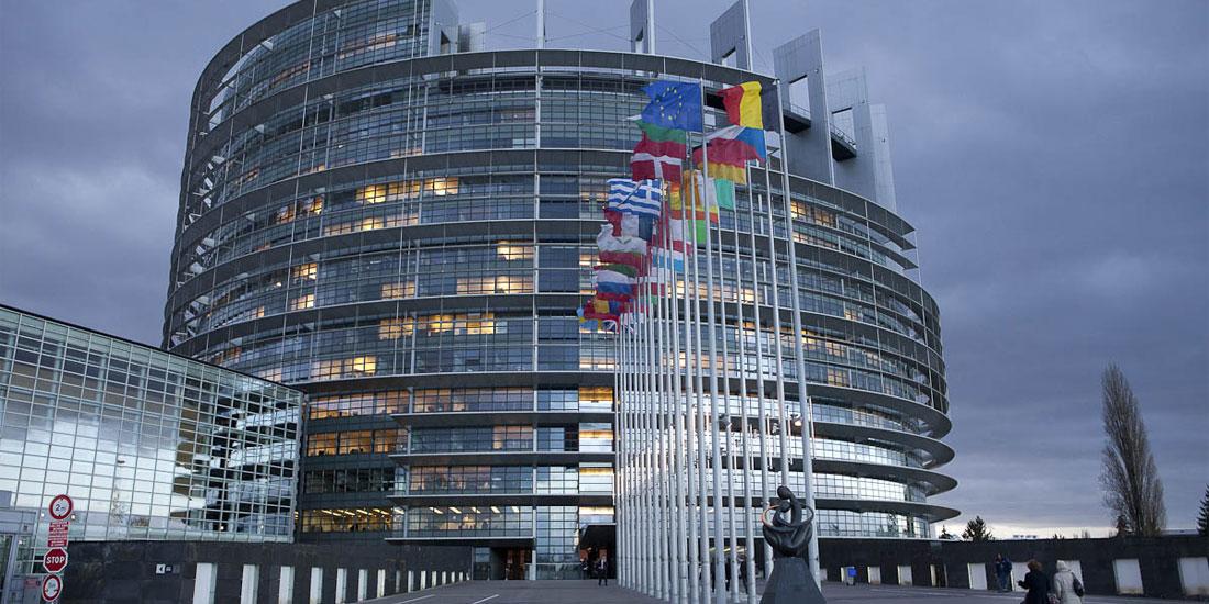 Ευρωκοινοβούλιο: Αναστέλλονται οι επισκέψεις για 3 εβδομάδες