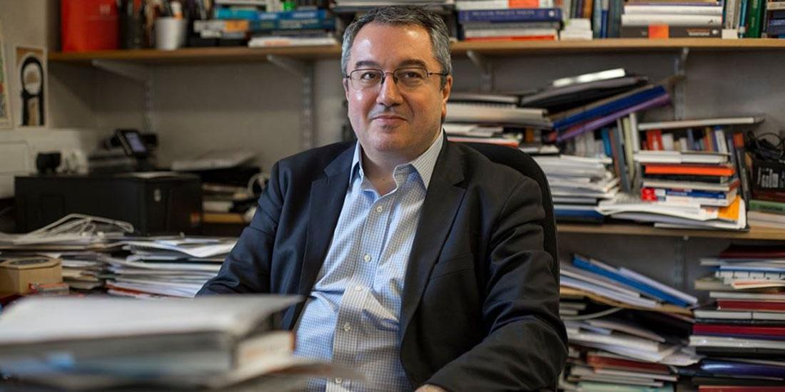 Ηλίας Μόσιαλος: «Η Ελλάδα τα πήγε πολύ καλύτερα από άλλες χώρες της Ευρώπης»