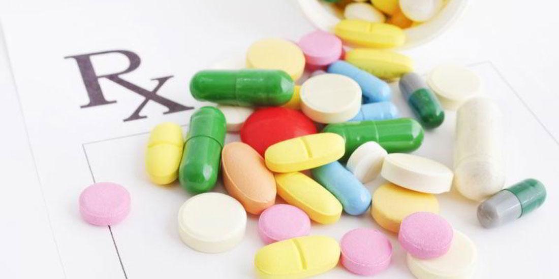 Στην εισαγωγή νέων -αλλά όχι καινοτόμων- φαρμάκων στη θετική λίστα προχωρά το Υπουργείο Υγείας