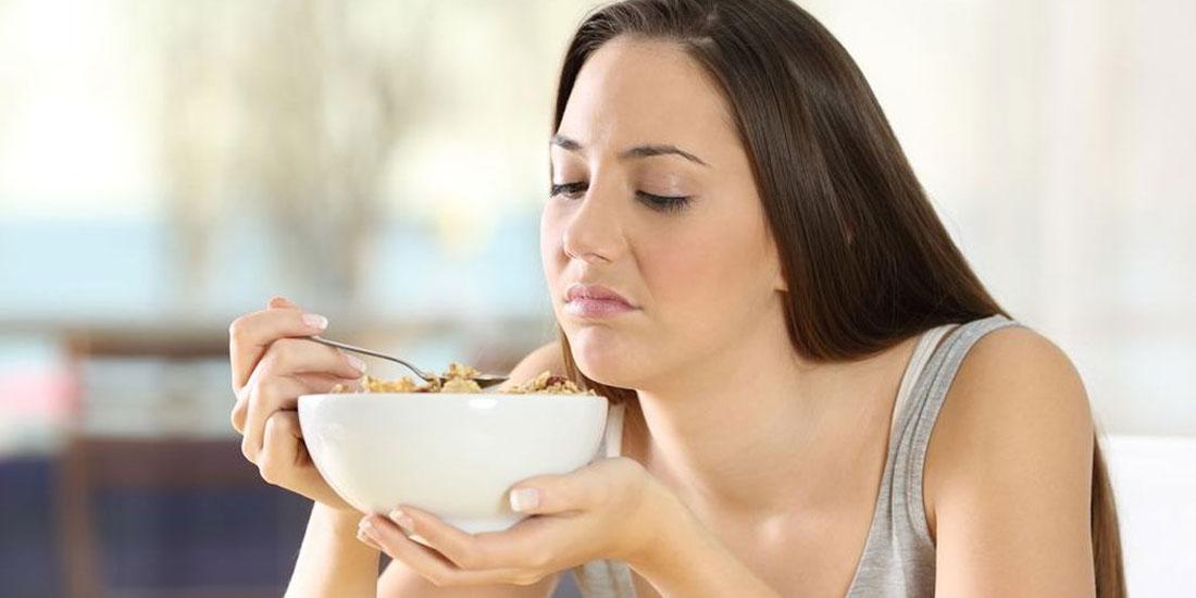 Η απώλεια γεύσης και όσφρησης, συμπτώματα-κλειδιά στους ασθενείς με Covid-19