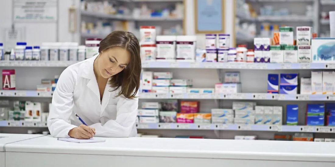 Με δωρεές ο Πανελλήνιος Φαρμακευτικός Σύλλογος στηρίζει την πολιτεία στη μάχη για την COVID 19