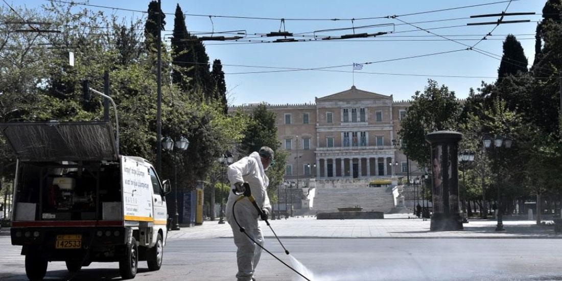 Guardian: Πώς η Ελλάδα κερδίζει τη μάχη του κορωνοϊού