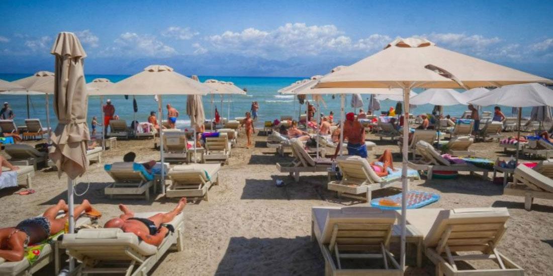 Ηλιοθεραπεία, άμμος και η επιστροφή στις παραλίες στην εποχή της Covid-19