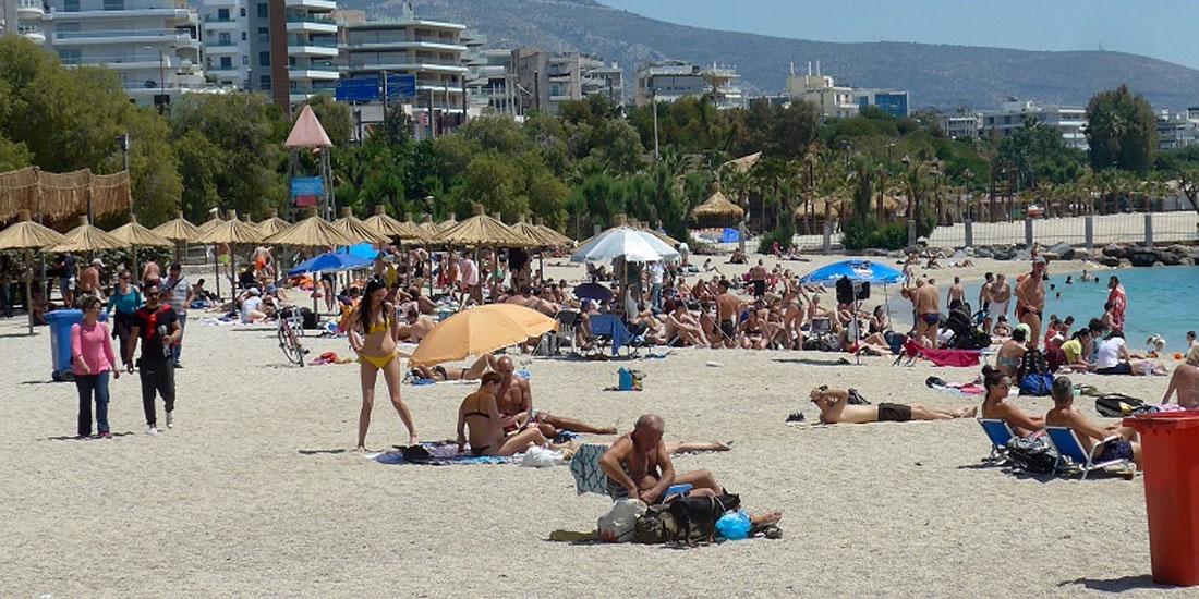 Πρόωρο καλοκαιράκι, εξόρμηση στις παραλίες και Τουρισμός: Πόσο μεγάλος είναι ο κίνδυνος να χαθεί ό,τι κερδήθηκε;
