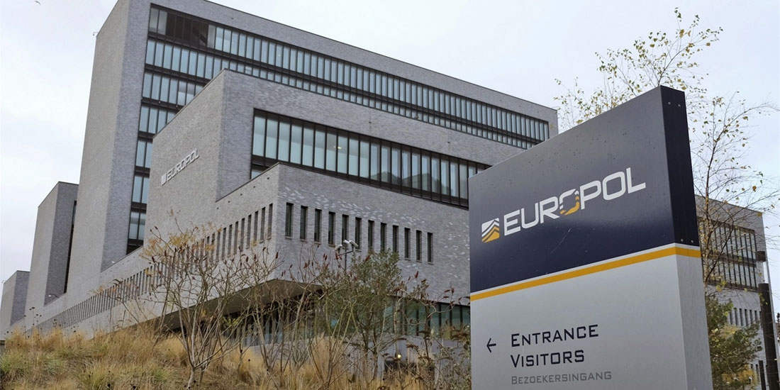 Europol:  Η κατ΄οίκον καραντίνα μπορεί να ενισχύει τη ριζοσπαστικοποίηση, δείχνει έκθεση της Ευρωπαϊκής Αστυνομικής Υπηρεσίας