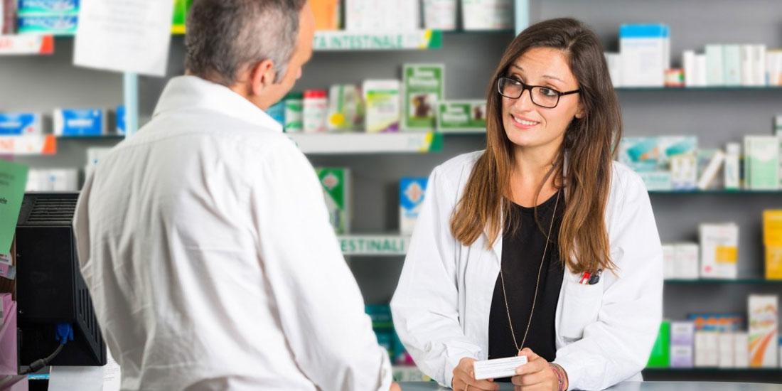 4 στους 5 προτιμούν το τοπικό φαρμακείο από το διαδικτυακό