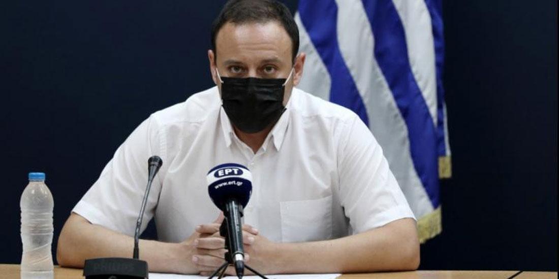 Γκίκας Μαγιορκίνης: Οι νέοι οδηγούν το κύμα έξαρσης της COVID-19 στην Ελλάδα