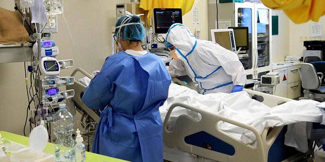 Σήμα συναγερμού εκπέμπει ο Μάσιμο Γκάλι, αρχίατρος του νοσοκομείου Σάκο του Μιλάνου: «οι θάλαμοι είναι γεμάτοι ασθενείς με μεταλλάξεις του κορωνοϊού»