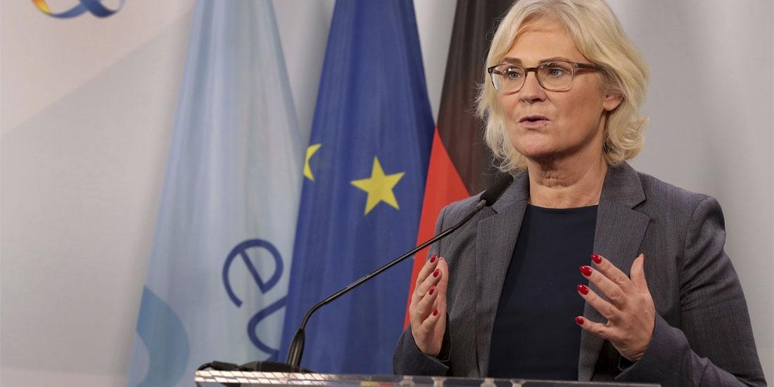 Γερμανία: Περισσότερες ελευθερίες για τους εμβολιασμένους, εφόσον δεν είναι μολυσματικοί, αναμένει η υπ. Δικαιοσύνης Κρ.Λάμπρεχτ