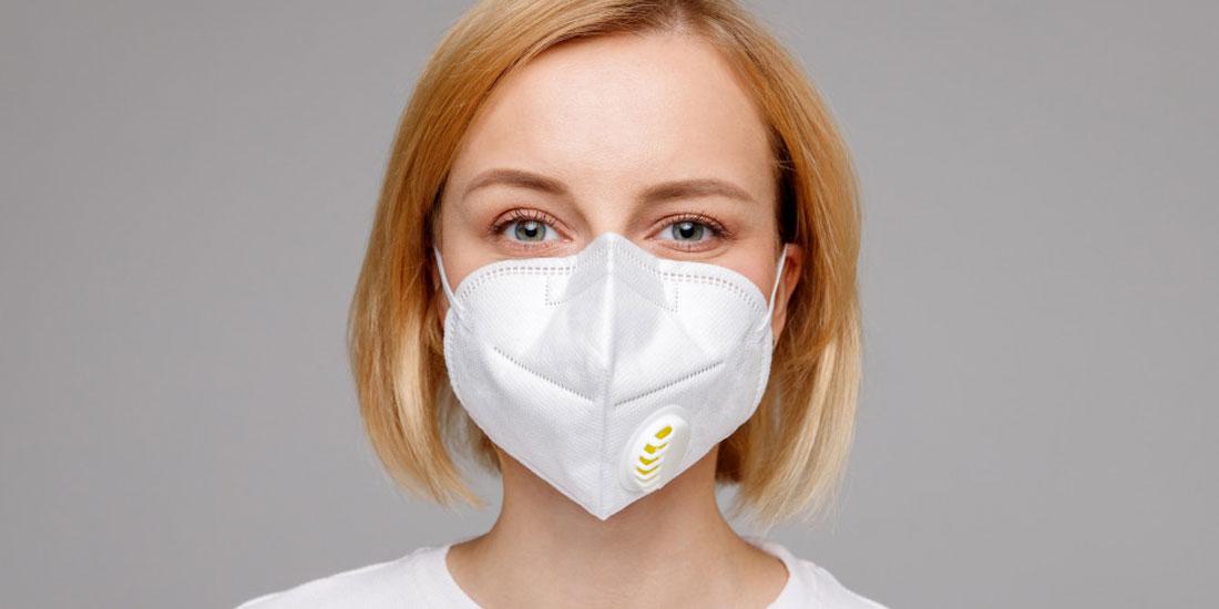 ΠΙΣ: Η μάσκα αποτελεί βασικότατο «όπλο» κατά της διασποράς του κορωνοϊού
