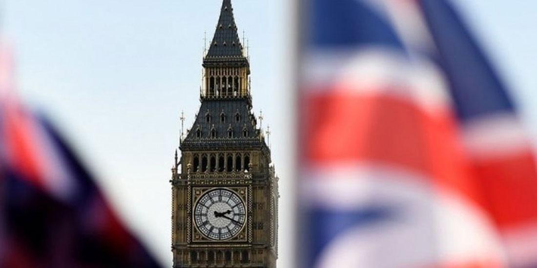 Ελεύθεροι να σκεφτούν τις καλοκαιρινές τους διακοπές οι Βρετανοί