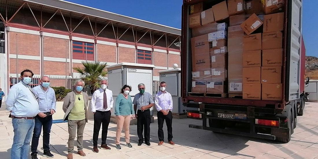 Κοντέινερ με υγειονομικά αναλώσιμα υλικά και ιατροτεχνολογικό εξοπλισμό απέστειλαν στην Κρήτη Οργανώσεις ομογενών από τις ΗΠΑ