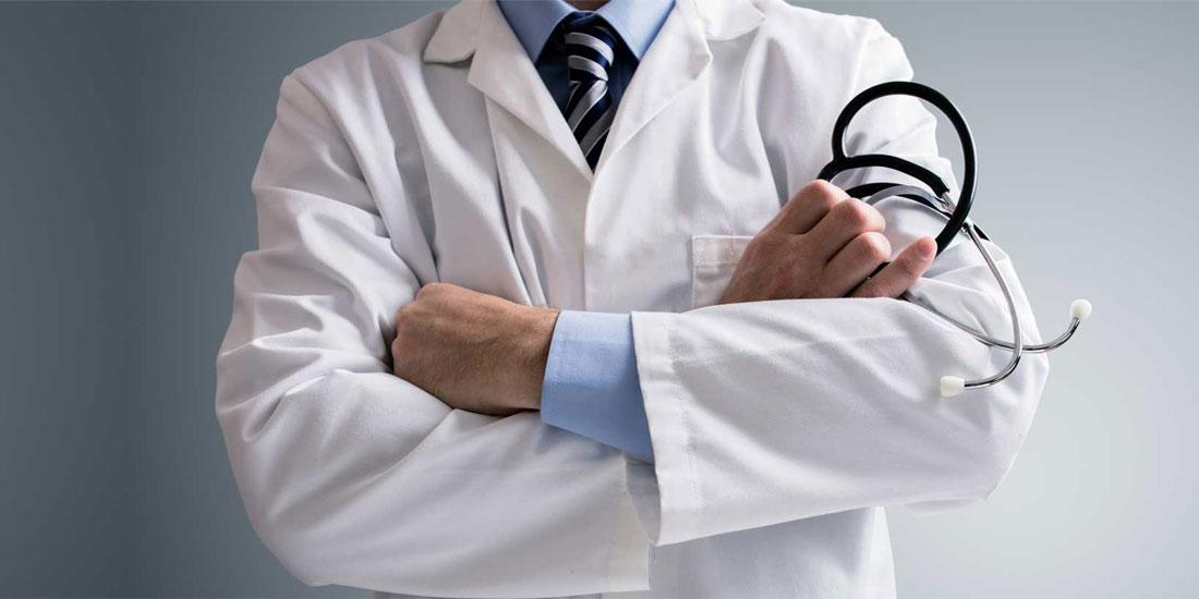 Βρετανικά δημόσια νοσοκομεία ζητούν να προσλάβουν Έλληνες γιατρούς