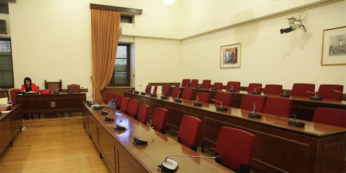 Παράταση μέχρι τον Οκτώβριο αποφάσισε η Εξεταστική Επιτροπή που διερευνά τα σκάνδαλα στο χώρο της Υγείας