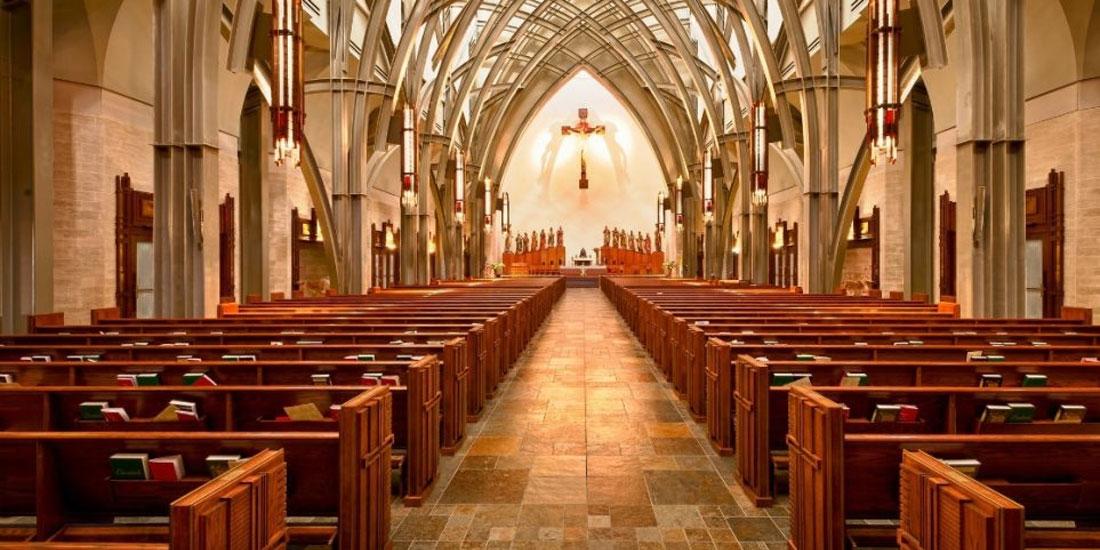 Οι θρησκευόμενοι ζουν παραπάνω χρόνια από τους άθρησκους, δείχνει έρευνα σε νεκρολογίες