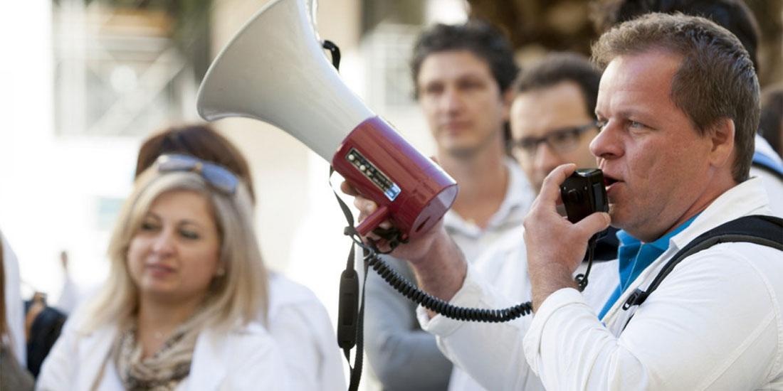 Σε διαμάχη και πάλι Πολάκης και νοσοκομειακοί γιατροί