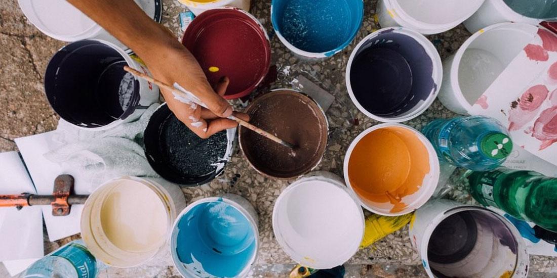 Χρώματα, βερνίκια και διαλυτικά συνδέονται με αυξημένο κίνδυνο για πολλαπλή σκλήρυνση