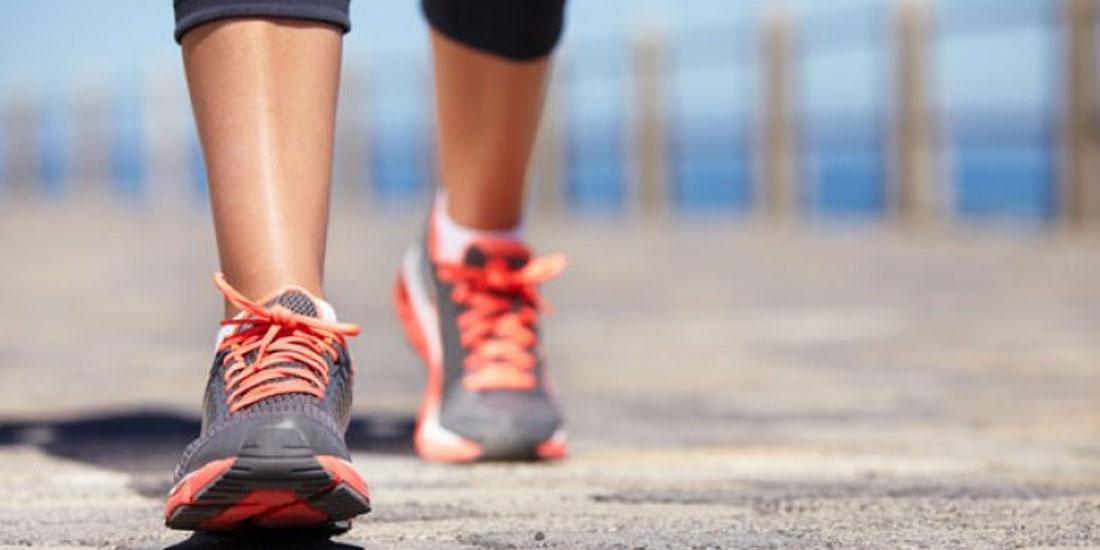Το περπάτημα μειώνει τον κίνδυνο καρδιακής ανεπάρκειας στις ηλικιωμένες γυναίκες