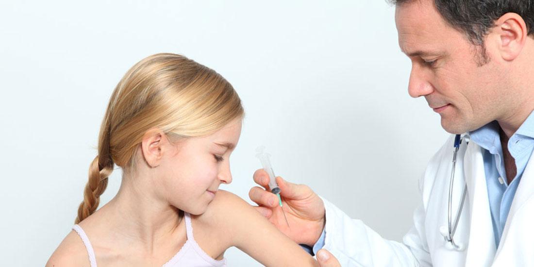 «Παραθυράκι» στον υποχρεωτικό εμβολιασμό των παιδιών αφήνει εγκύκλιος του υπουργείου