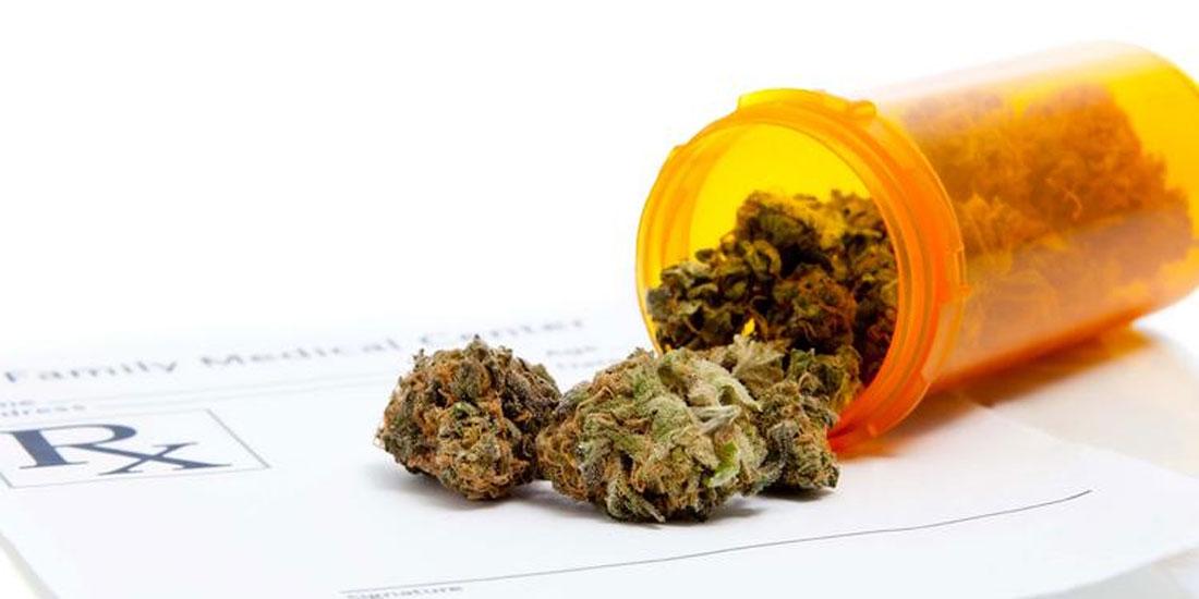 Σε τουλάχιστον ενάμιση χρόνο στους ασθενείς η  φαρμακευτική κάνναβη μέσω φαρμακείων χωρίς αποζημίωση