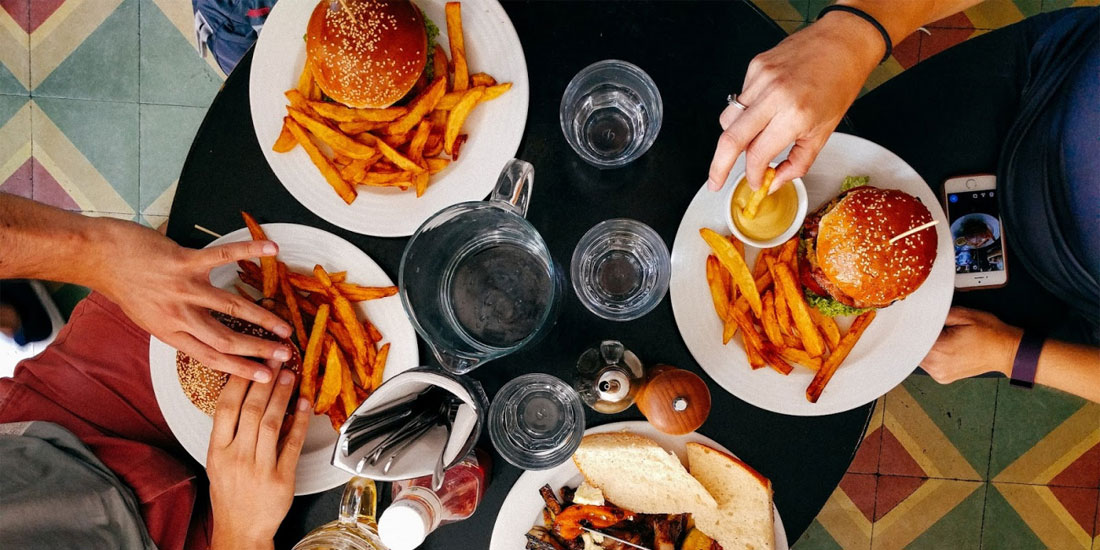 Ό,τι τρώμε μας σκοτώνει, αποφαίνεται παγκόσμια έκθεση για την διατροφή