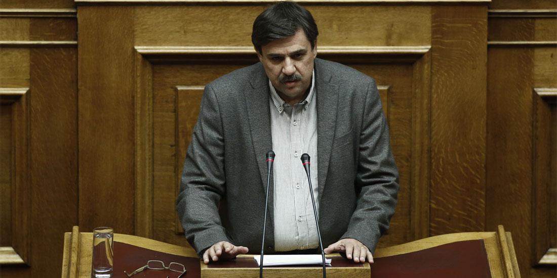 ΣΦΕΕ:  Αντιδράσεις μετά τις δηλώσεις Ξανθού στη Βουλή για τον Προϋπολογισμό για το φάρμακο